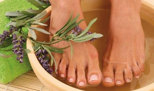 Tác dụng kì diệu ngâm chân với tinh dầu quế thiên nhiên 1