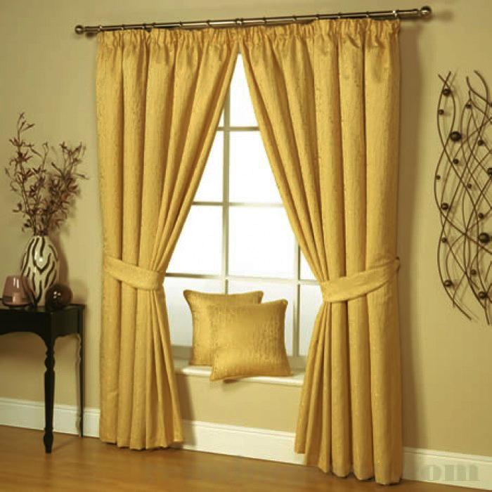 Đừng quên rèm cửa có khả năng giữ ấm cho phòng bạn nhé!
